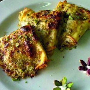 crepes con ricotta e salsa di pistacchio sciara pistacchio bronte